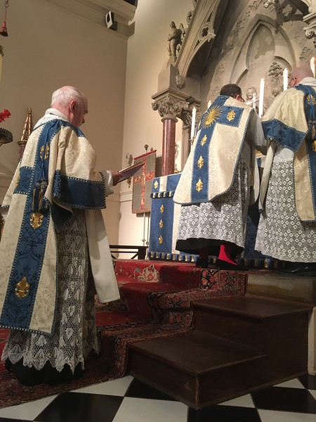 During Easter Day High Mass, the Subdeacon chants the Epistle