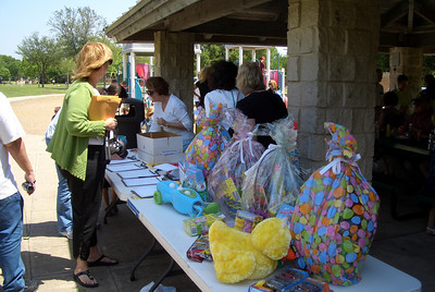 Easter Egg Hunt April 17, 2011