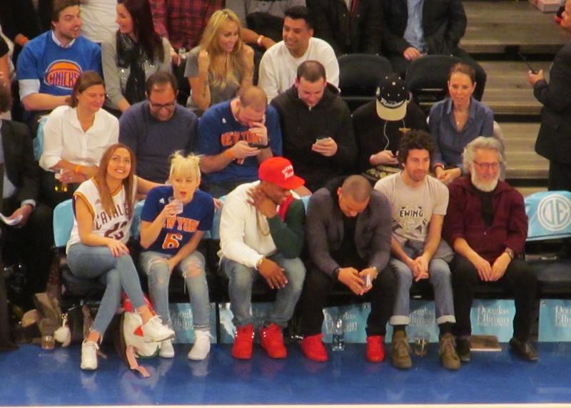 Miley Cyrus, Victor Cruz, Dustin Hoffman on Celebrity Row, Madison Square Gardens 3.26.16