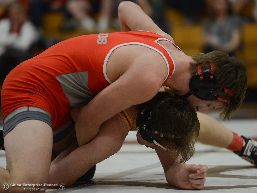 . In bout 172, Foothill High\'s Russell Rucklos wrestles Chico High\'s Jake Farrell during the Eastern Athletic League Championships, Saturday, February 10, 2018, in Chico, California. (Carin Dorghalli -- Enterprise-Record)