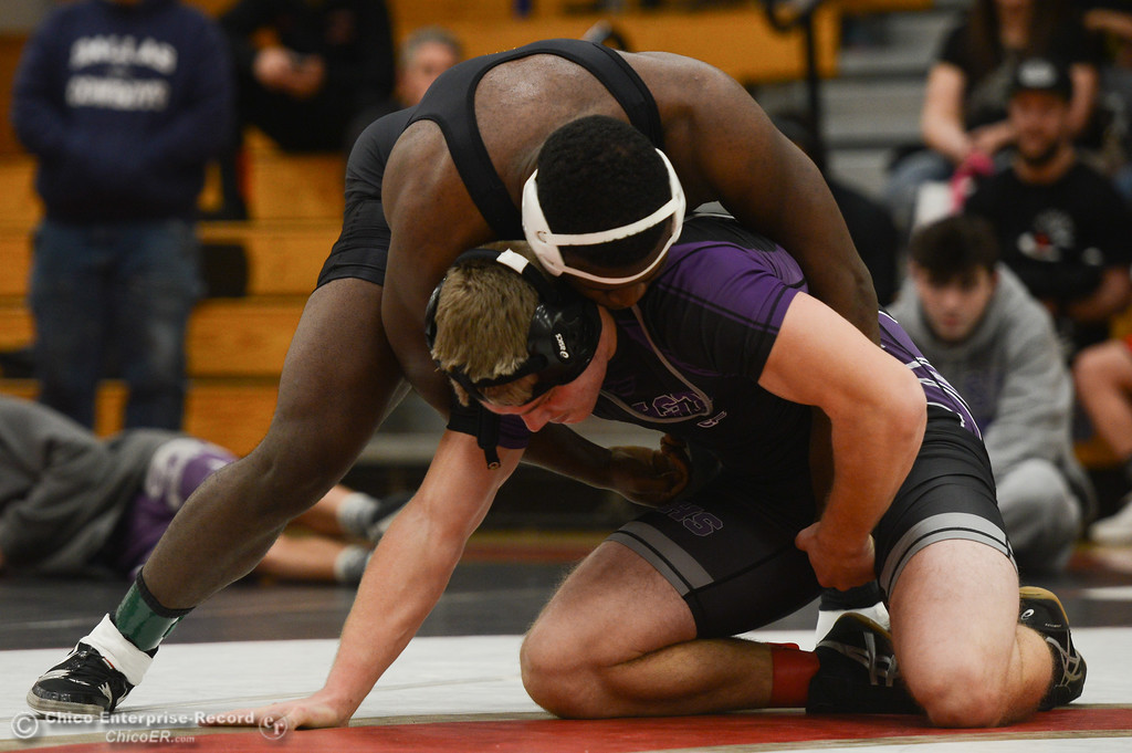 . In bout 197, Enterprise High\'s Victor Penn-Nash wrestles Shasta High\'s Walker Hughey during the Eastern Athletic League Championships, Saturday, February 10, 2018, in Chico, California. (Carin Dorghalli -- Enterprise-Record)