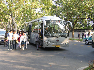 Hangzhou bus A22401 Oct 04