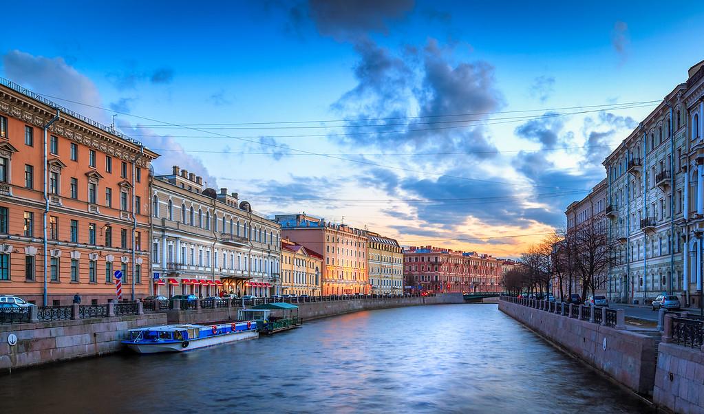 Moïka canal sunset