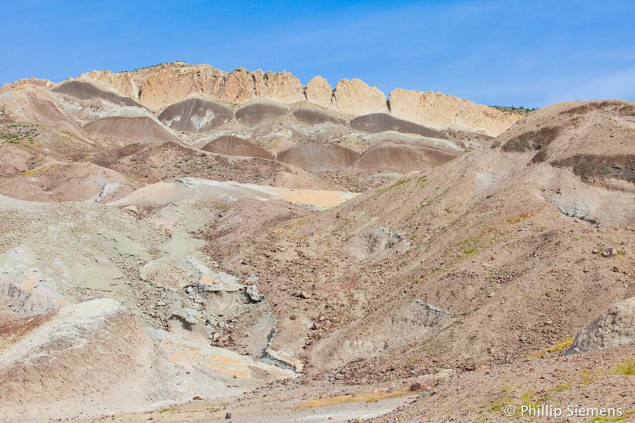 The major tuff layer in Rainbow Basin