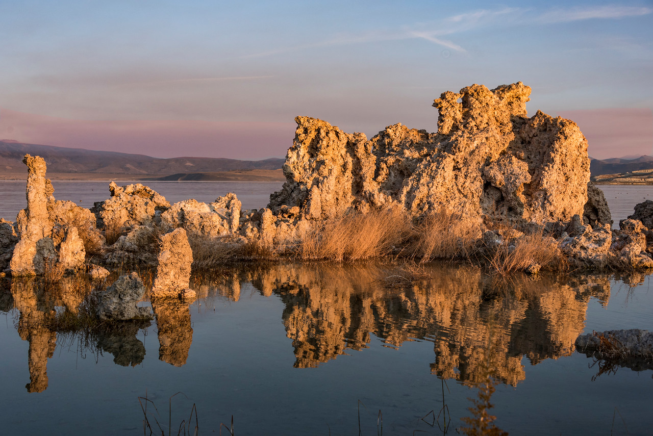 027-MonoLk-Tufa-at-sunrise-SRA_1934