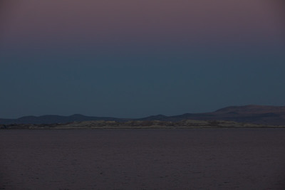 The sky and Mono Lake was quite colorful that evening.