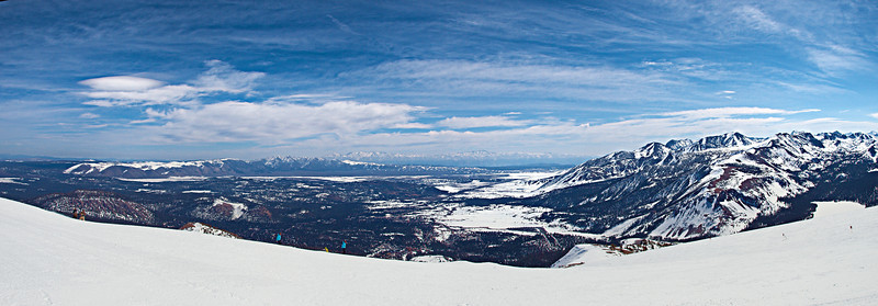 """View over the top of the town of Mammoth Lakes to the distant White Mountains from the back of Dave's Run.  <a href=""""http://www.dbdimages.com/photos/897200539_5rrET-O.jpg""""TARGET=""""blank"""">View large in another window.</a> Use your viewer's zoom function if necessary."""