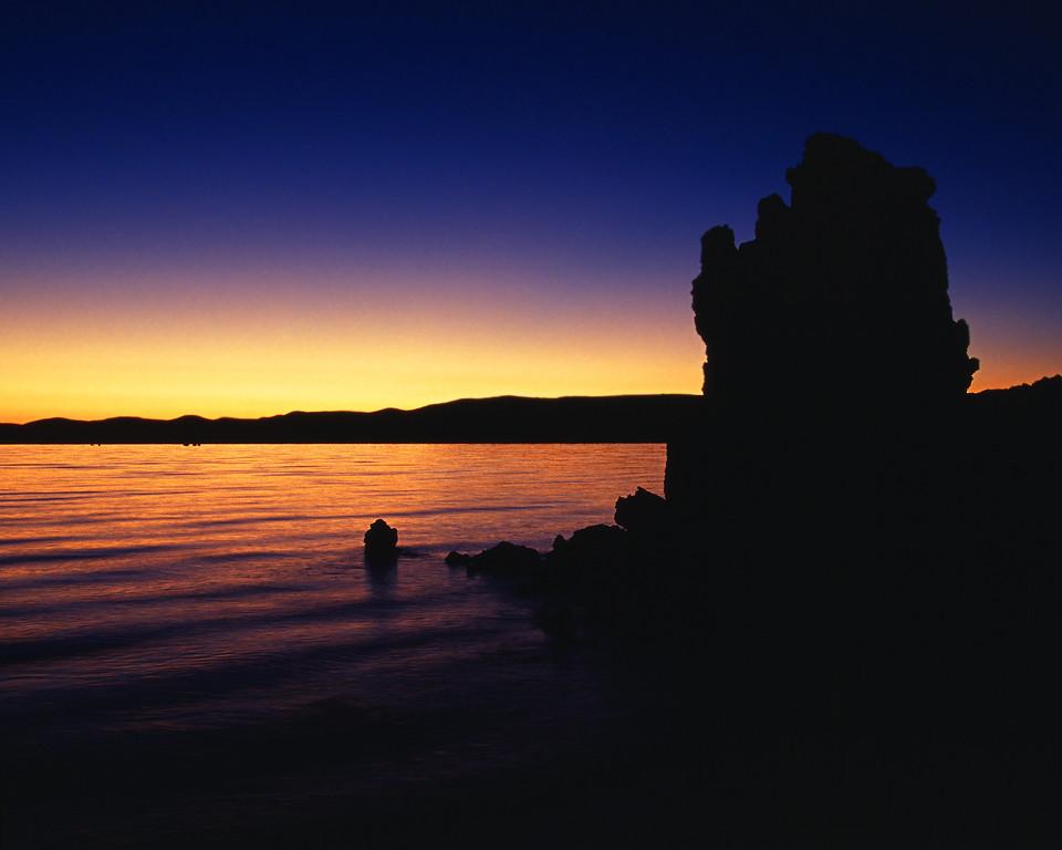 Lone Tufa at Dawn, Mono Lake Lee Vining California