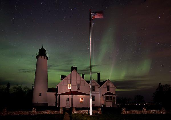 Iroquois Point Lighthouse aurora