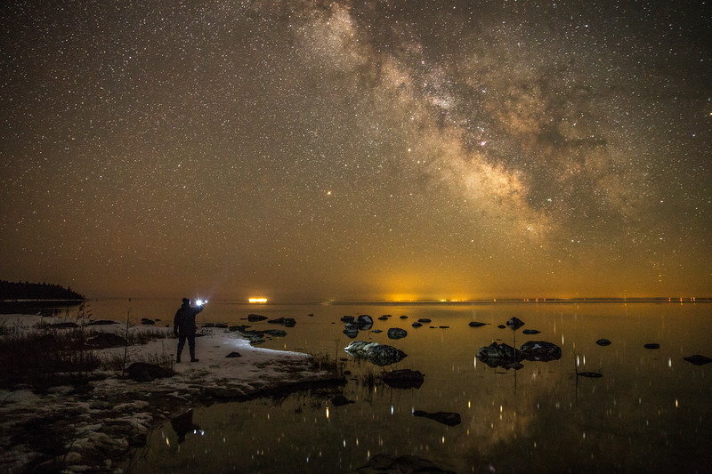 Greeting the Milky Way over Lake Huron