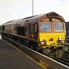 66018 sits on the station with 0B52 Eastleigh - Southampton E Docks