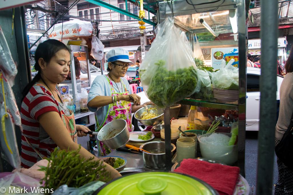 bangkok street food sukhumvit 38 9 X2 Sukhumvit Soi 38   An Introduction to Eating Street Food in Bangkok