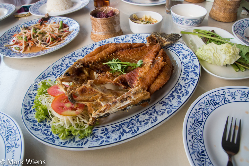 klang bueng bangkok 9 X2 Isan Food at Gai Yang Klang Bueng (ไก่ย่างกลางบึง) in Bangkok