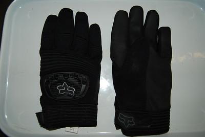 FOX winter gloves - size nine - warm and waterproof - $8.00