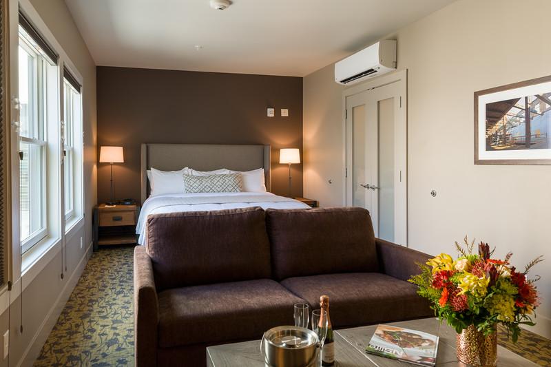 20180511 The Inn at Lynden Room 15 20