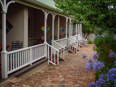 Housemartin Guest Lodge in De Rust.