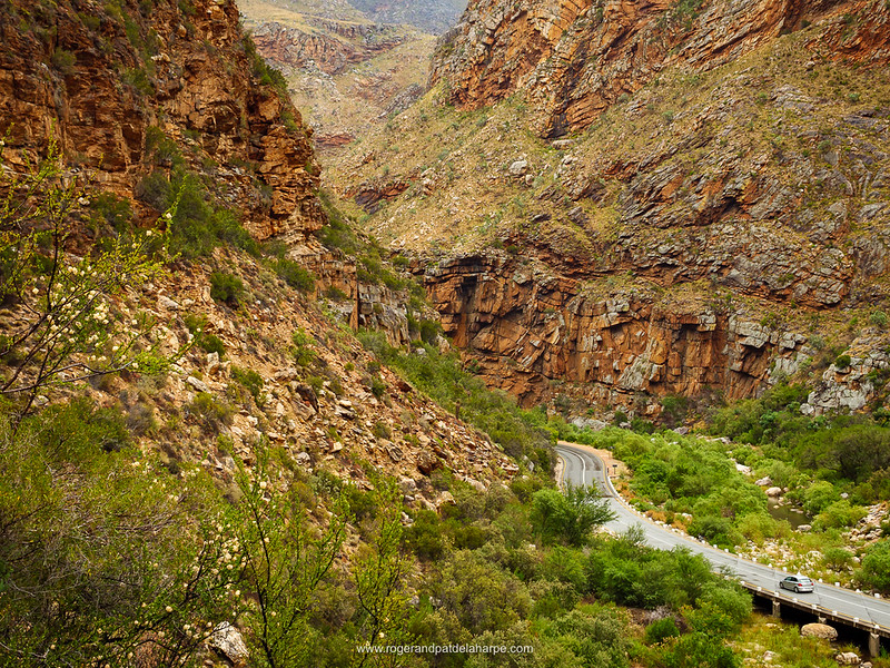 The N12 snakes its way through one of the most beautiful poorts in South Africa,