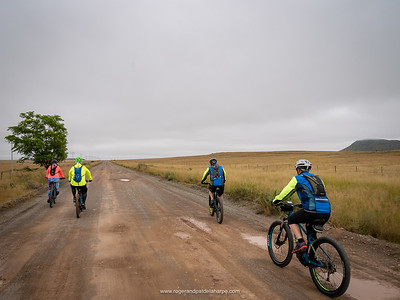 It was cold and drizzly on the way out of Middelburg. Hopefully Pat's out there getting coffee ready!