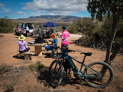 Tea and sandwiches on top of the mighty Rooiberg Pass. The Giant Little Karoo Trek.
