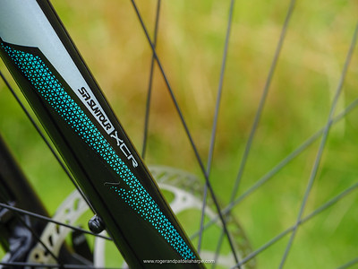 The Suntour forks provide 130mm of travel.