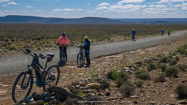 The roads are generally good in the Middelpos area – sometimes a little corrugated though.