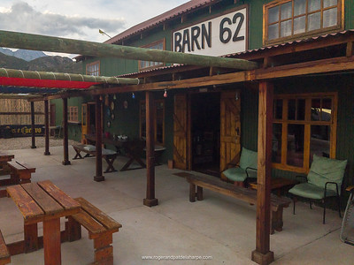 Barn62 Pub and Backpackers just off Route 62 is charming and the 🍺 , ice cold – just what one needs after a 50km ride! Western Cape. South Africa