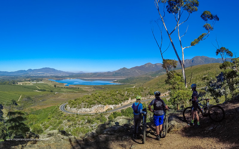 The ride up the pass offers magnificent views over the valley, the Hottentots Holland Mountains in the distance.