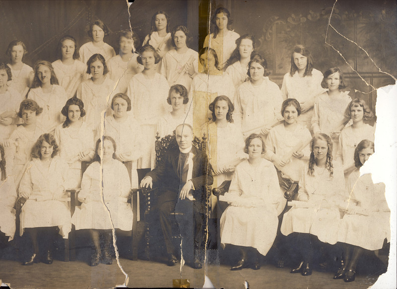 zzz 1920 Holy Name Grad class