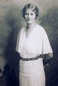 Helen Mildred Henning Eckman - Wedding Picture