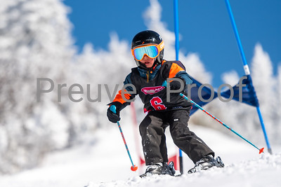 Mont-Tremblant, QC, Canada - March 1 2020:   Club Performance B Kombi on Alpine Haut at Tremblant  Photo par:  Gary Yee