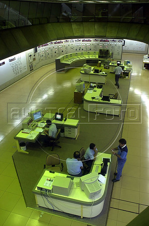 Workers sit in the control room of the Binational Itaipu Hydroelectric plant in Foz do Iguacu, Brazil, and Ciudad del Este, Paraguay.(Douglas Engle/Australfoto)