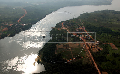 The Xingu (pronounced Shin-GOO) River in the Brazilian Amazonian state of Para, near the site where the controvesial Belo Monte Hydroelectric station is under construction. (Australfoto/Douglas Engle)