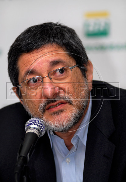 Sergio Gabrielli, president of Brazil's state-run oil company Petrobras, speaks to journalists during a news conference, Rio de Janeiro, Brazil, August 22, 2008. (Austral Foto/Renzo Gostoli)