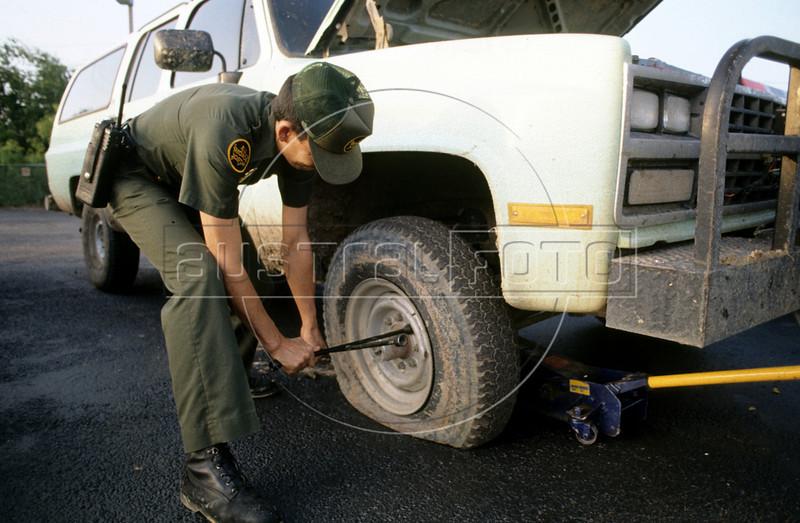 US Border Patrol agents on patrol near Laredo, Texas, USA. (Australfoto/Douglas Engle)