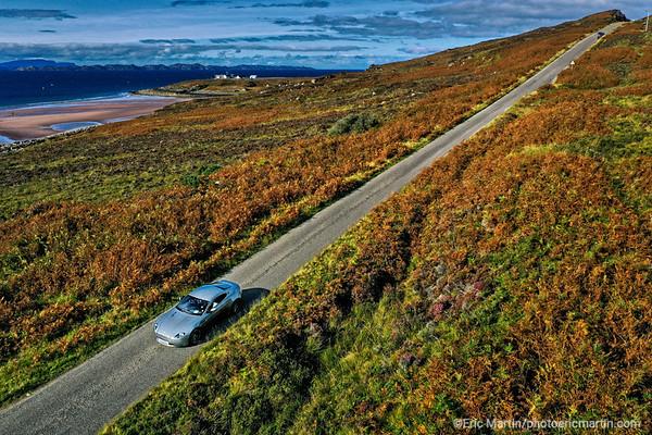 ECOSSE. ROAD TRIP SUR LA NORTH COAST 500 AVEC L ASTON MARTIN DE JAMES BOND. LA NORTH COAST 500 LONGE ICI LA COTE DE LA PENINSULE D APPLECROSS