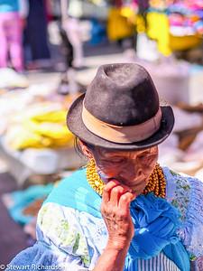 Otavaleña women Otavalo Ecuador_.jpg