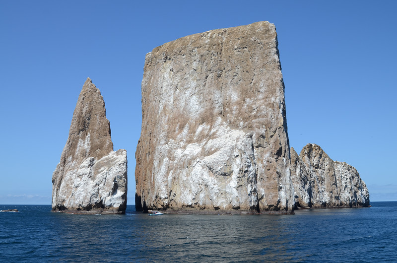 León Dormido Islands