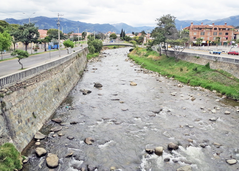 We took a bus tour of Cuenca today.   There are three rivers in Cuenca; Rio Milchichig, Rio Tomebamba and Rio Yununcay.  This is Rio Tomebamba.