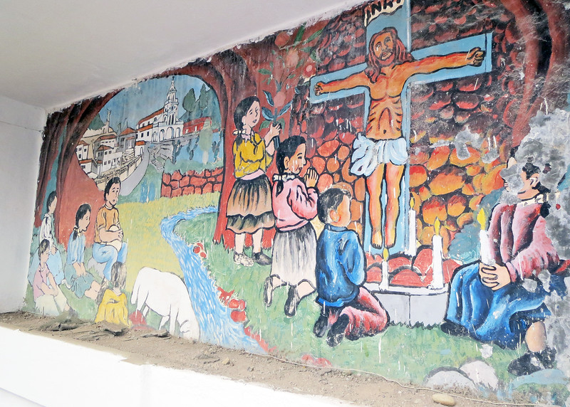 We took a bus tour of Cuenca today.   A mural on way down from Mirador de Turi.
