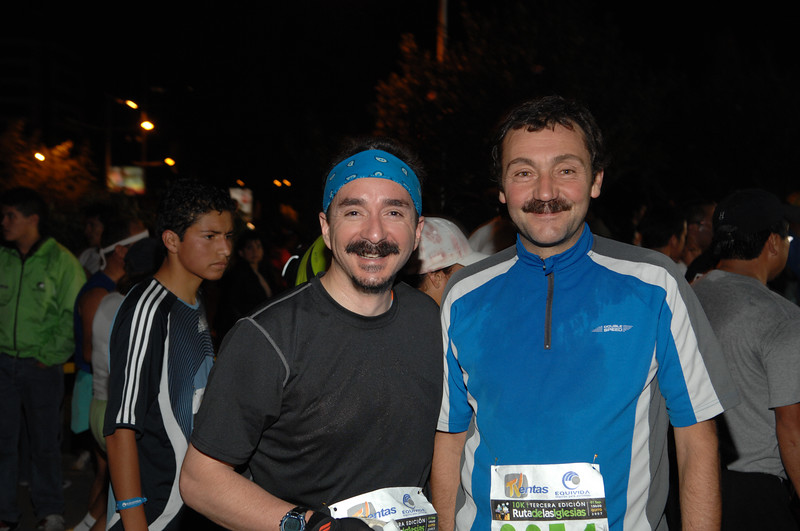 Ken's racquetball frends Manuel and Roque at the race finish.