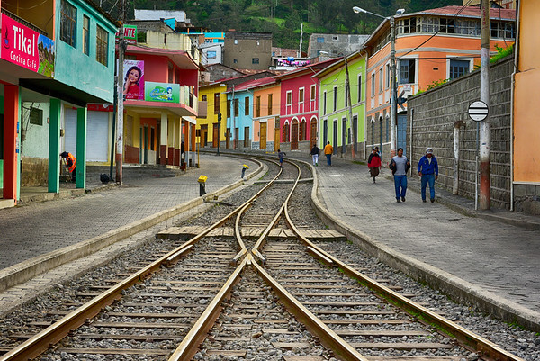 Tracks up the streets of Alausi