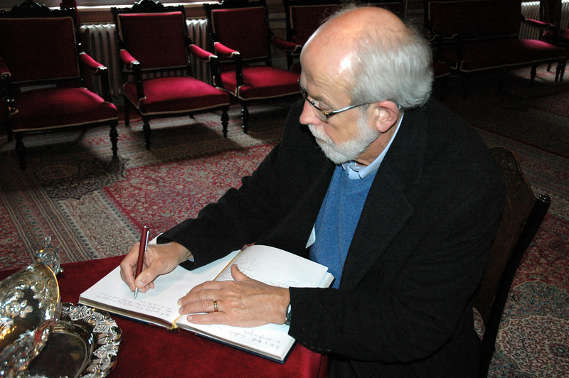 ELCA Presiding Bishop and LWF President Mark Hanson signs the guestbook Feb. 7 at the Theological School of Halki (Turkey).