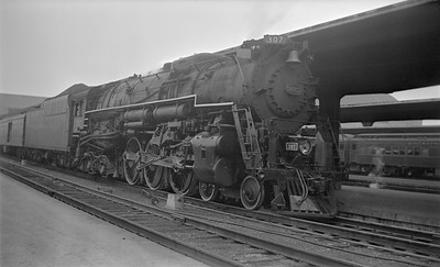 2018.15.N85.6380--ed wilkommen 116 neg--C&O--steam locomotive 4-6-4 307 at passenger station platform--Cincinatti OH--1951 0600