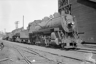 2018.15.N67A.3573--ed wilkommen 116 neg--CGW--steam locomotive 2-8-0 354--St Paul MN--1948 0526