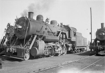2018.15.N67A.3574--ed wilkommen 116 neg--CGW--steam locomotive 2-8-0 355--Hayfield MN--1945 0715