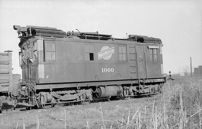 2018.15.N65C.3412--ed wilkommen 6x9 neg--C&NW--oil-electric locomotive IR 1000--Green Bay WI--1955 0403