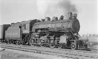 2018.15.N83.6335--ed wilkommen 116 neg--CP--steam locomotive 4-6-0 D10G 882--Mt Elgin ON--1957 0426