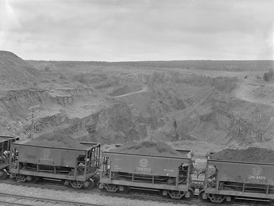 2018.15.N76.7900--ed wilkommen 3X4 neg--DM&IR--scene of ore loads at mine--location unknown--1960 0700