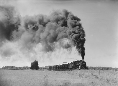 2018.15.N76.7903--ed wilkommen 3X4 neg--DM&IR--steam locomotive 2-8-2 N6 1332 with train of ore loads action--location unknown--1960 0700