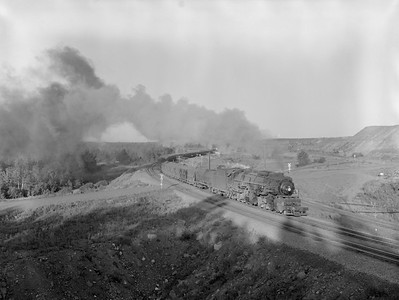 2018.15.N76.7910--ed wilkommen 3X4 neg--DM&IR--steam locomotive 2-8-8-2 M1S 209 with train of ore loads action--location unknown--1960 0700
